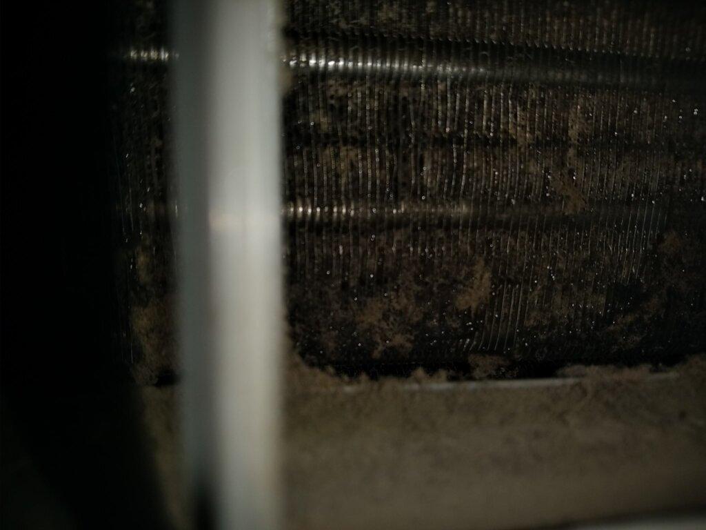 エアコンから水漏する原因